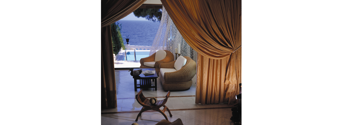 Danai pool-suite