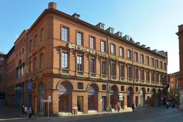 CROWNE PLAZA HOTEL TOULOUSE : LE CAPITOLE EN ARRIÈRE-PLAN 2