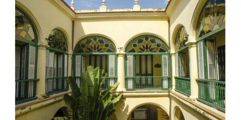 HOTEL CONDÉ DE VILLANUEVA : LE PETIT PARADIS DES FUMEURS DE CIGARES 1