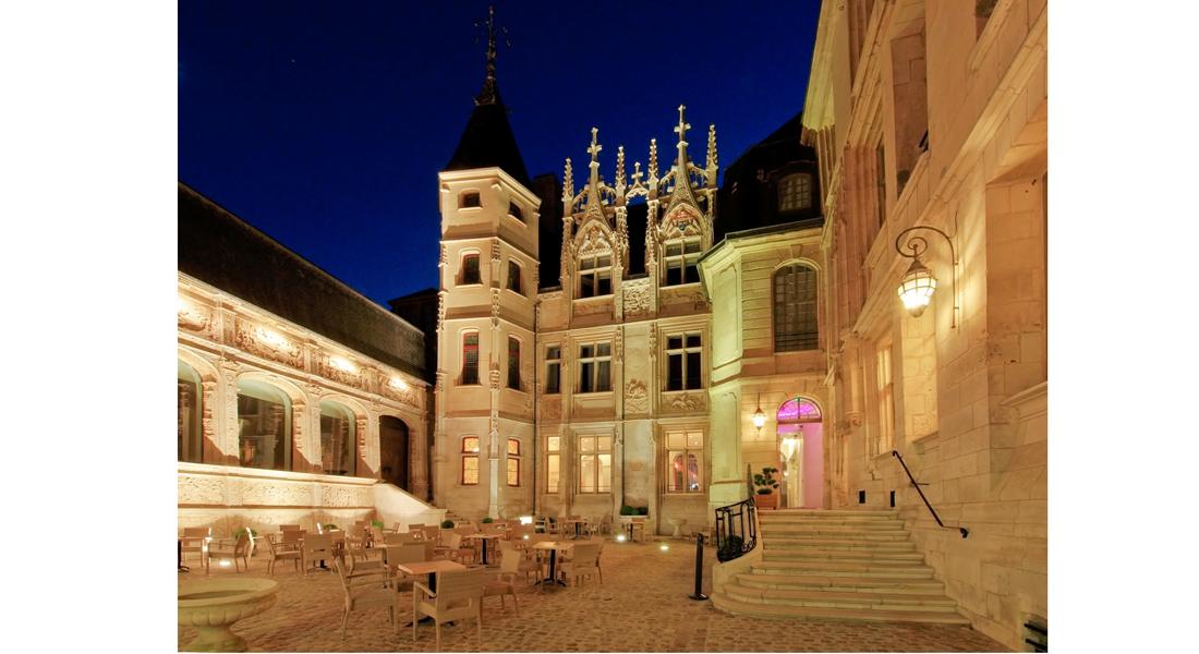 HOTEL DE BOURGTHEROULDE : LA RENAISSANCE DE L'HISTOIRE 2