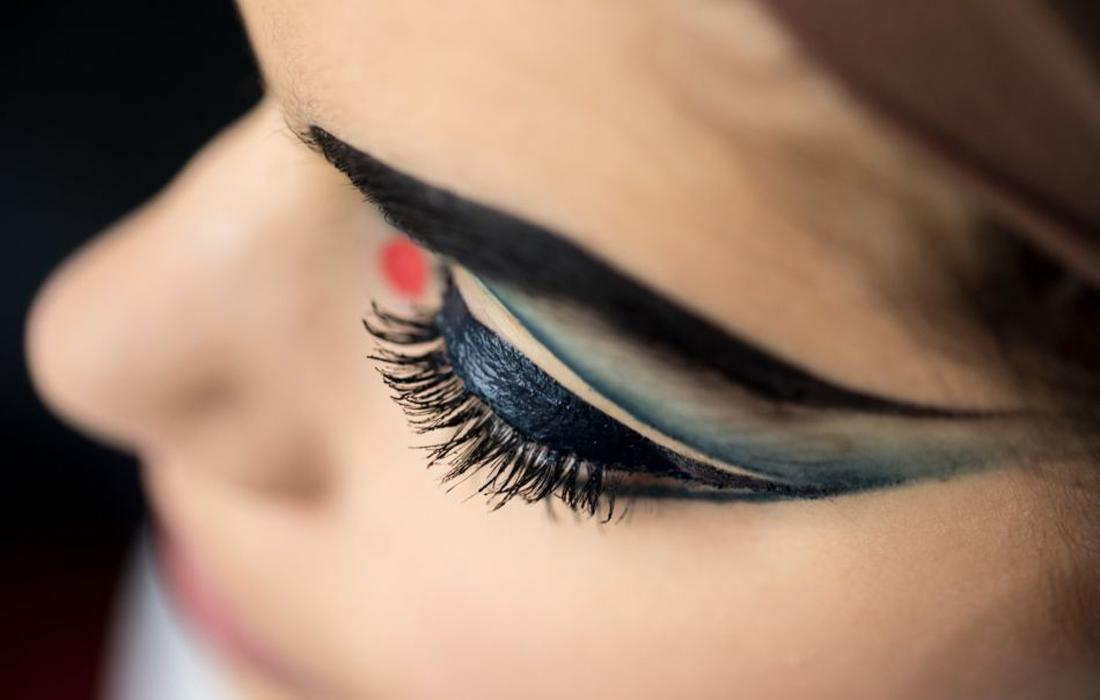 «Les yeux noirs» de Christian Louboutin, la nouvelle marque glamour qui nous fait de l'œil.