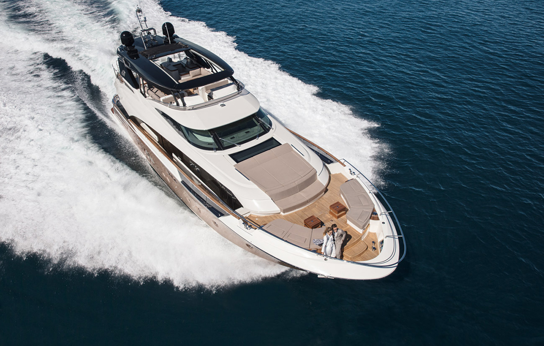 Le yacht luxueux MCY96 qui a reçu plusieurs récompenses