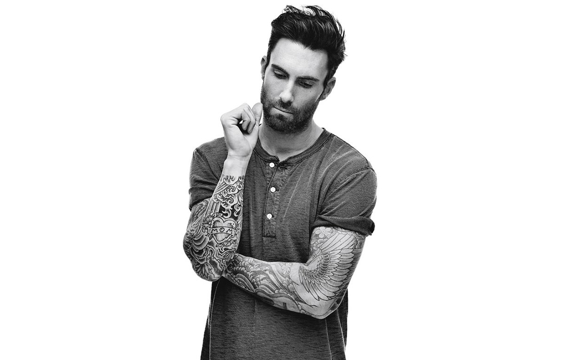 Adam Levine de Marron 5 devient le nouvel ambassadeur et porte-parole international d'Yves Saint Laurent Beauté