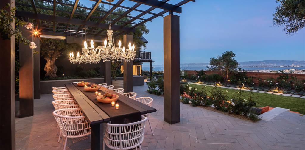 Lombard-Grounds-Patio-La-Residence-950-un-endroit-extraordinaire-avec-une-vue-sur-San-Francisco