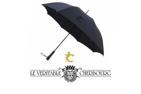 Le Véritable Cherbourg met en relief l'emblème des chevaux du Cadre Noir -luxe-infinity-magazine