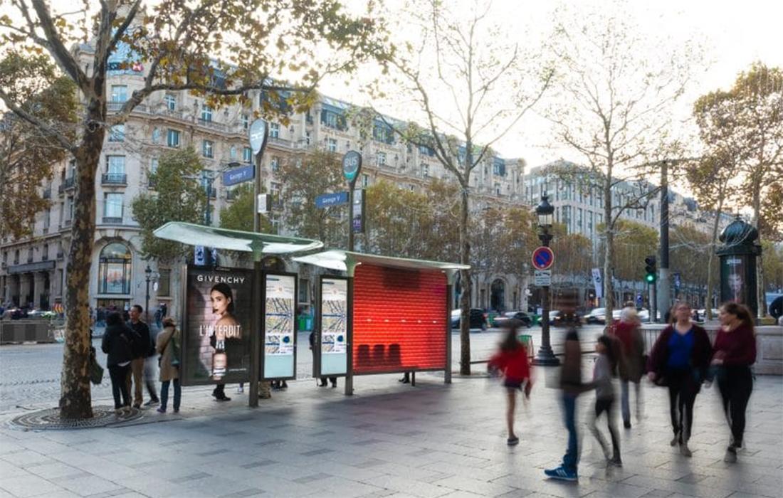 Parfumez-vous sous les abribus grâce à Givenchy !