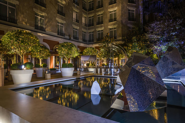 ROYAL- MONCEAU-terrasse-luxe-infinity-palace-hotel
