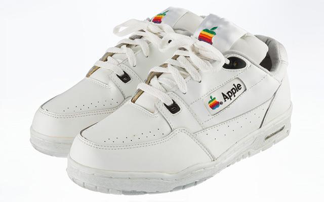 Versace-x-Apple-une-sneakers-en-hommage-à-la-marque-à-la-pomme
