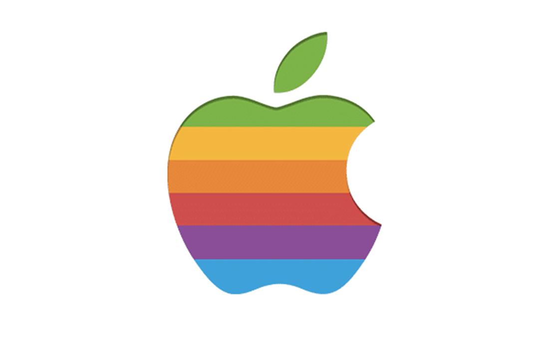 Versace x Apple : une sneakers en hommage à la marque à la pomme