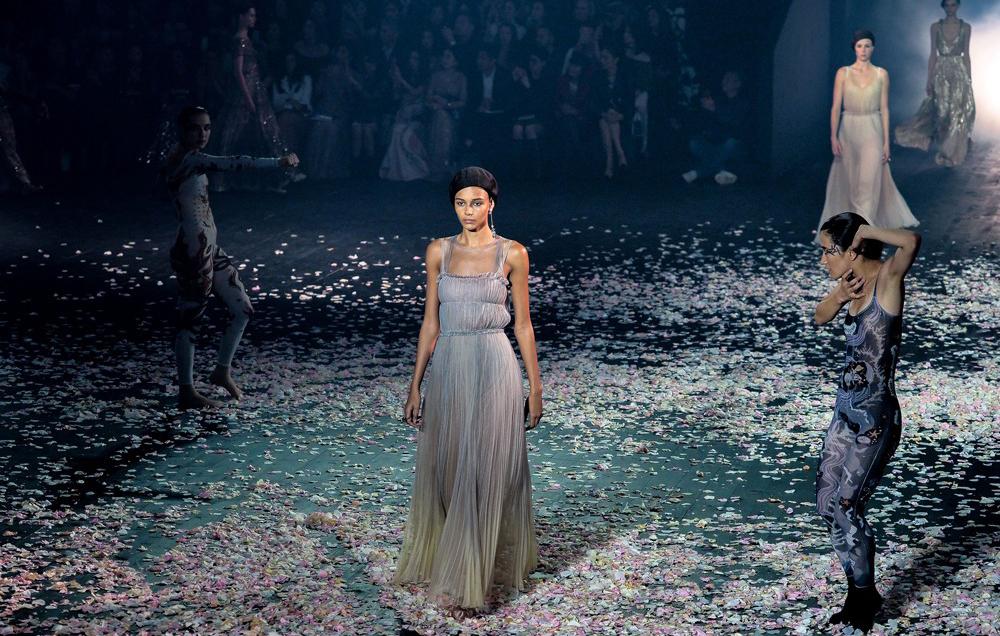 Dior Haute Couture Printemps-Eté 2019: la maison au cirque!