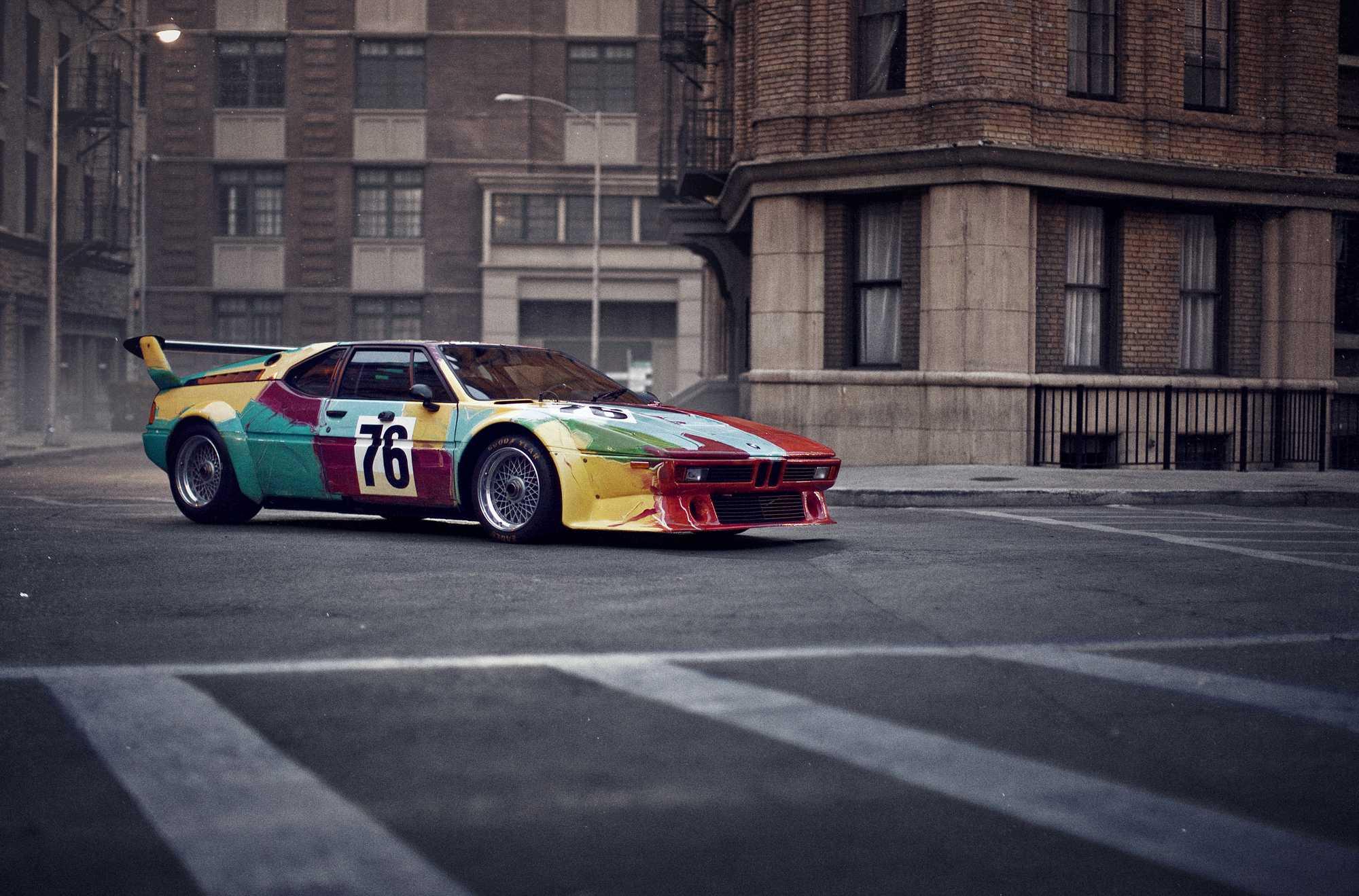 Andy Warhol : BMW M1 1979 (6e aux 24h du Mans) BMW M1 1979, moteur 6 cylindres en ligne, vitesse maximale 307 km/h_ © copyright fournies par BMW et Artcurial Motorcars.