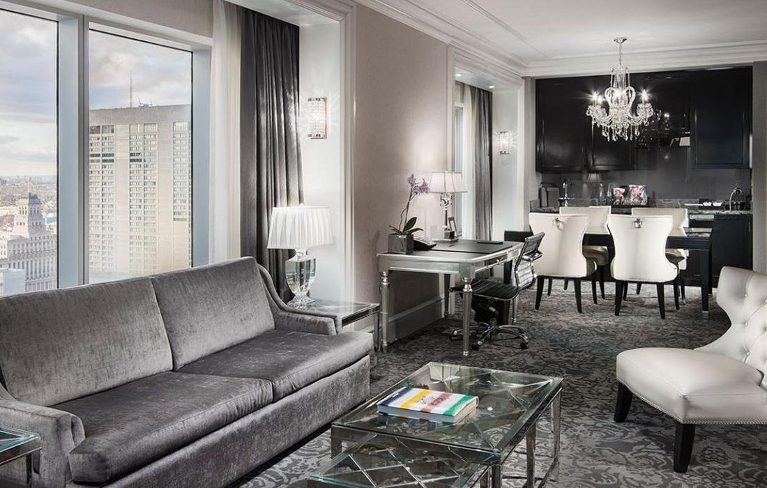 Une expérience extraordinaire au sein de l'Hôtel de luxe St. Regis dans la ville canadienne
