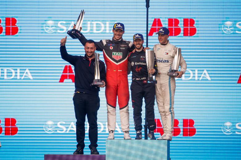 Sam Bird s'envole vers la victoire pour le 1er e-Prix de la saison