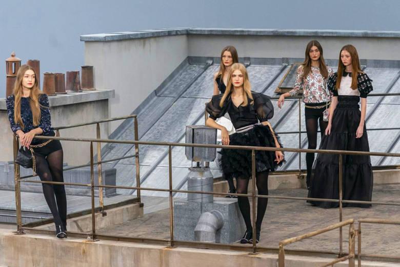 Chanel dévoile sa collection Printemps-Eté 2020 sur les toits de Paris